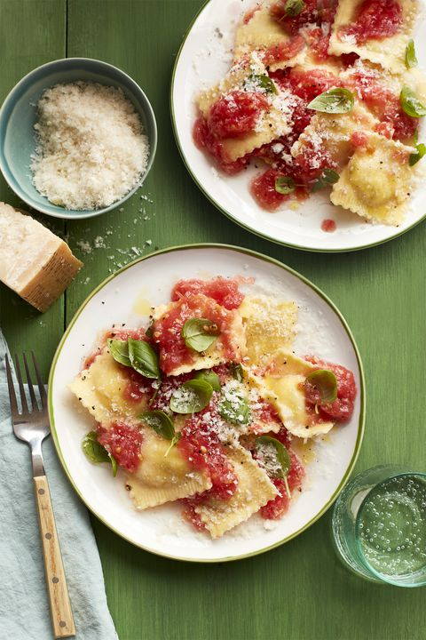 ravioli with no-cook tomato sauce