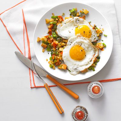 jugozahodno hash and fried eggs